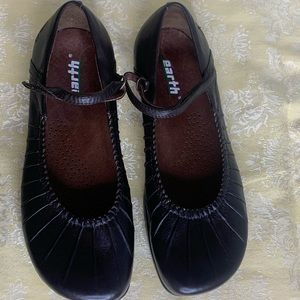 Earth Shoes Piroutte Mary Jane Flat Mahogany Brown